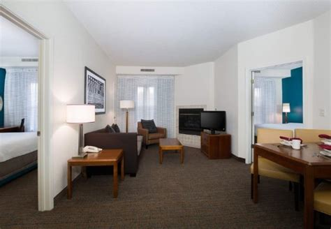 2 bedroom suites in kansas city studio king suite kitchen picture of residence inn