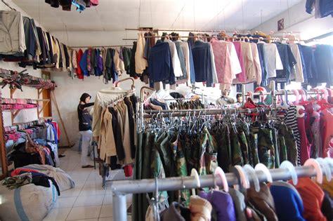 Rak Toko Pakaian toko pakaian bekas why not anak rantau