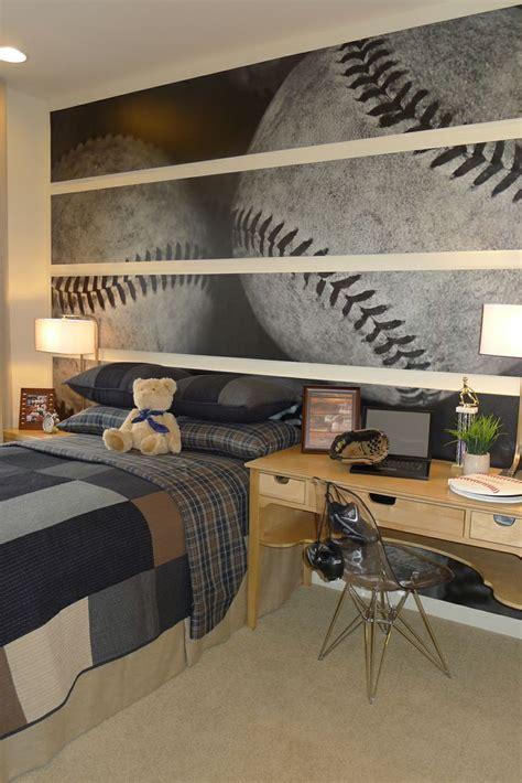 Using chrome polished metal frame spectacular room decoration ideas