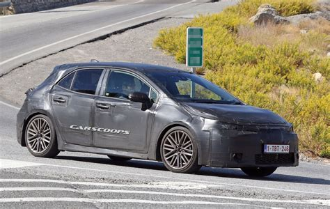 new auris 2018 2018 toyota auris wants to be more than just another golf