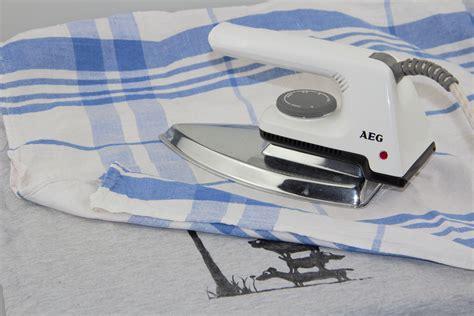 Textilfarbe Zum Bemalen by Textilfarbe Dauerhaft Auf Stoff Fixieren So Gelingt Es