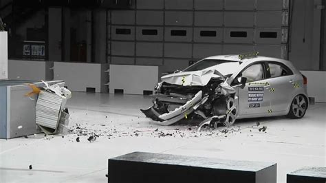 Testi Custmer crash test iihs 2012 kia moderate overlap test