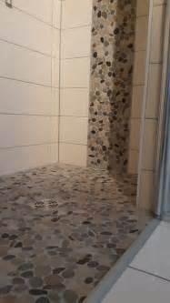 dusche bodenablauf dusche mit bodenablauf flusssteinmosaik fliesenonkel