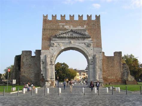 Popolari Rimini by Rimini Manifestazione Popolare Sit In All Arco D Augusto