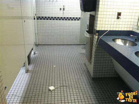 scritte nei bagni comodit 224 nei bagni pubblici immagini divertenti