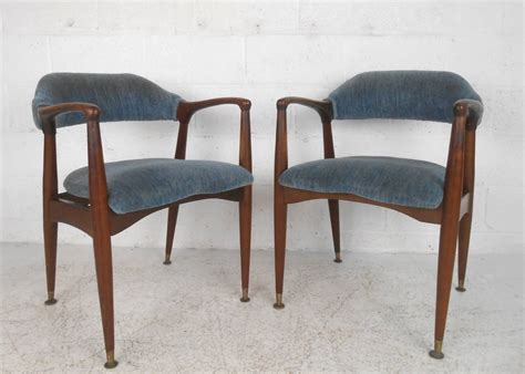Unique Dining Chairs by Set Of Unique Mid Century Modern Walnut Dining Chairs At