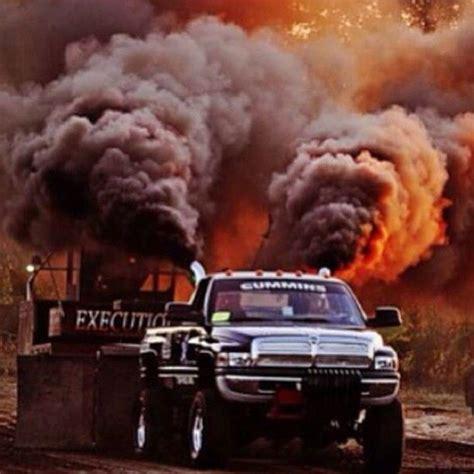 cummins truck rollin coal dodge rolling coal at the truck pulls dodge pinterest