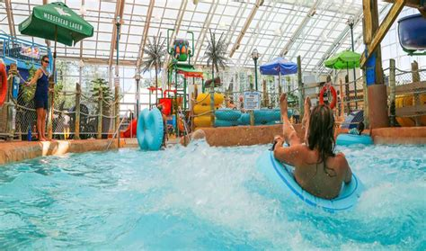 theme hotel niagara falls attractions ontario listings search for ontario s best