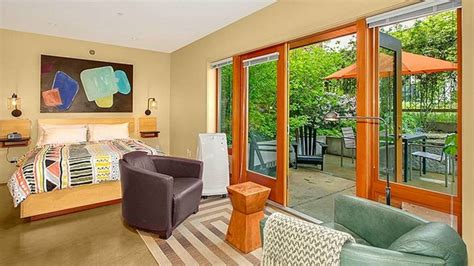 airbnb seattle sweet seattle vacation rentals sunset
