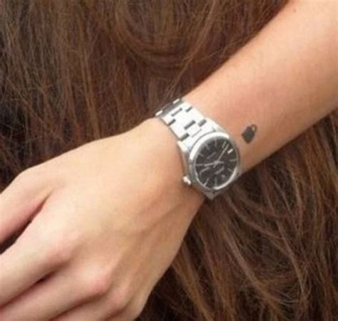 Ed Sheeran Padlock Tattoo | harry s padlock tattoo done by ed sheeran one direction