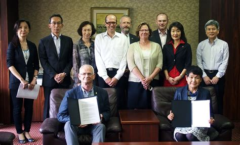 Boston College Mba Transfer Credits by Tuj Signs Agreement On Credit Transfer With Showa S