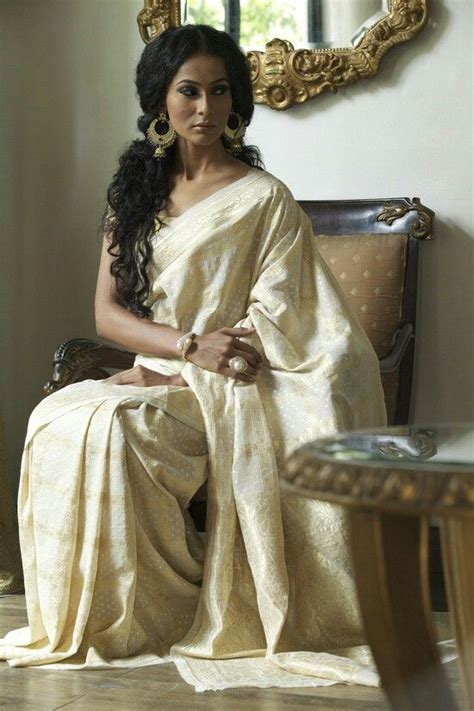 open hairstyles in saree curly hairstyles for saree