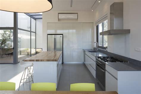 cocinas de diseno con isla plano de casa cuadrada de un piso construye hogar