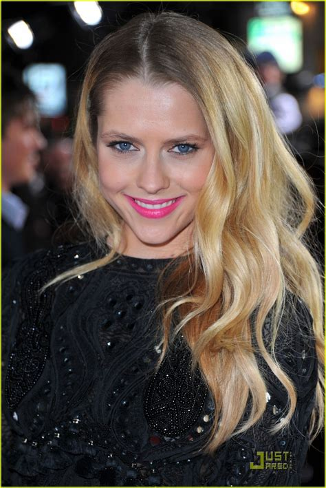 teresa palmer contact full sized photo of teresa palmer number four premiere 02