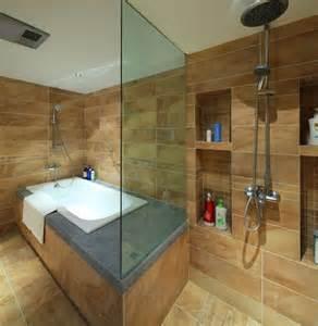 beispiel badezimmer beispiele f 252 r badezimmer fliesen 35 originelle inspirationen
