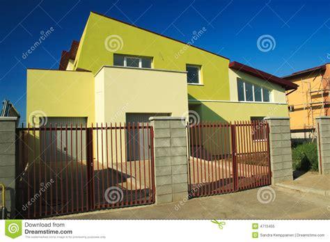 id馥 am駭agement bureau maison maison moderne photo libre de droits image 4715455
