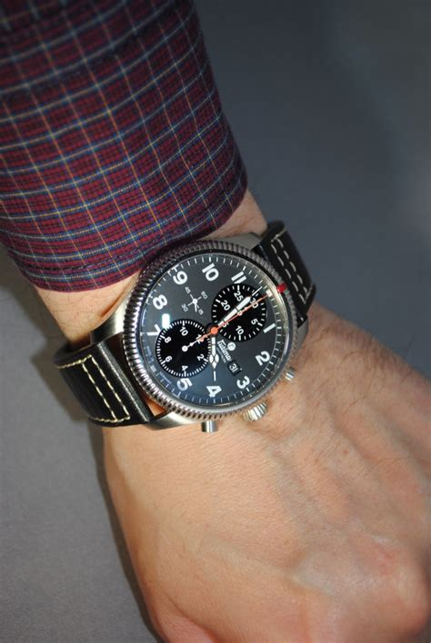 While Someone Watches timezone reviews 187 a review tutima grand flieger