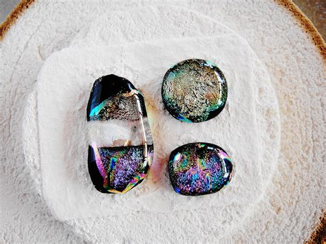 how to make dichroic glass jewelry at home stuff happens when dichroic fused glass jewelry