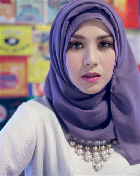 tutorial berhijab zaskia hijab ala zaskia adya mecca tutorial pashmina by anita scarf