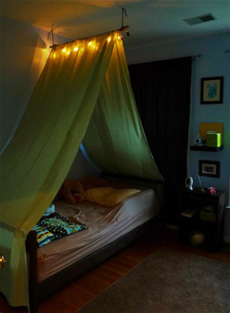 diy bed tent diy tent over the bed this is cool like the light gotta