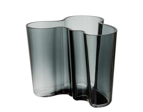 Aalto Savoy Vase by Aalto Savoy Vase Medium Hivemodern