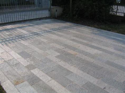 piastrelle in pietra per esterni pavimentazione per esterni pietra di luserna opera