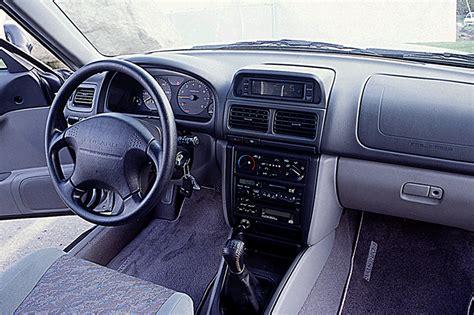 1999 subaru forester interior 1998 02 subaru forester consumer guide auto