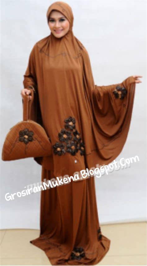 Mukena Spandex Clara Abu Tua jual mukena amaly brokat mawar grosir mukena murah dan