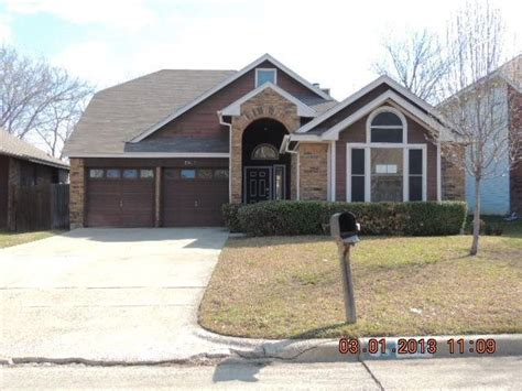 houses for sale 76017 5917 beckett dr arlington tx 76017 reo home details foreclosure homes free