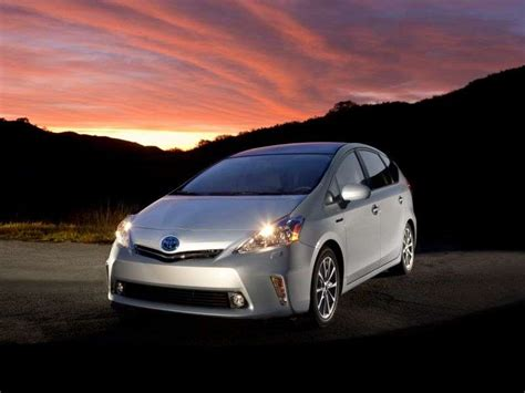 Toyota Prius Fuel Economy 10 Family Cars With The Best Gas Mileage Autobytel