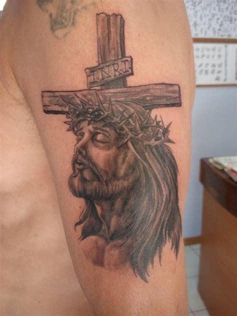 tattoos religiosos 16 tatuajes religiosos cara de cristo