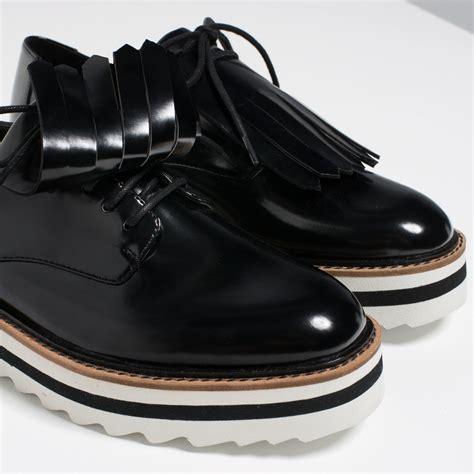 Flat Shoes Zara Ks030 Black zara fringed flat shoes in black lyst