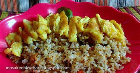cara membuat nasi goreng ala pedagang kaki lima resep nasi goreng pedas gurih terasi tongkol suwir