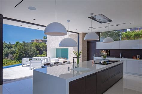 Luxury Modern Kitchen Designs Modern Luxury Kitchen Design With White Laminate Island Countertops And Italian Lacquered