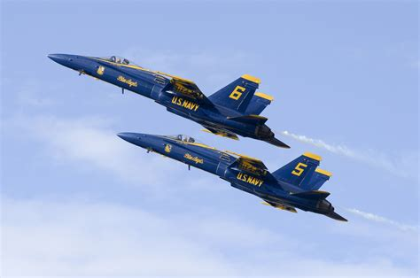 Us Navy 63595mb Blue Yellow 2 blue and yellow u s navy fighter jet free image peakpx