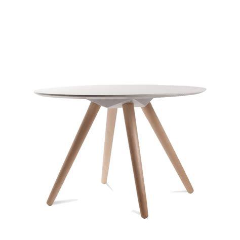 table basse bois blanche table basse scandinave en bois bee zuiver
