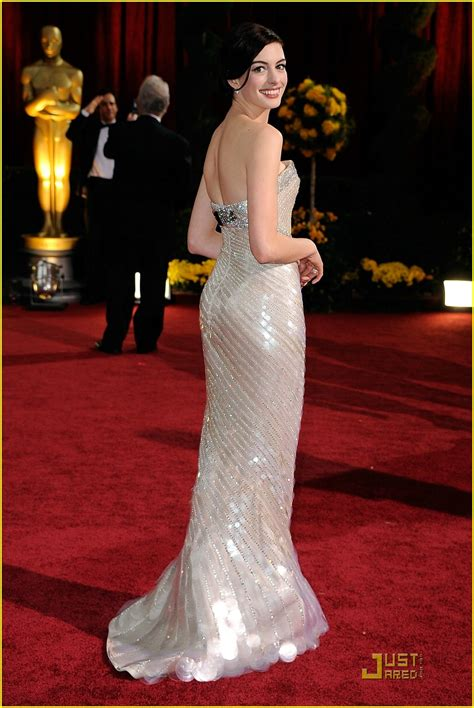Iconic Gowns Set Stylish Tone For Oscars by Stiletto Sports 187 Archive 187 Hathaway Oscar Dress