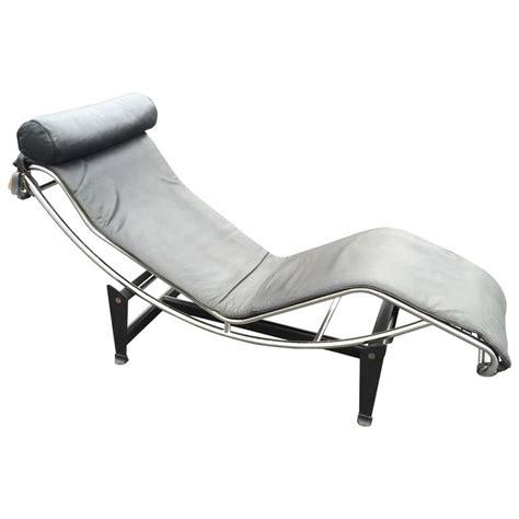 black leather chaise longue le corbusier lc4 chaise longue in black leather at 1stdibs