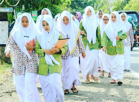baju santriwati gambar islami
