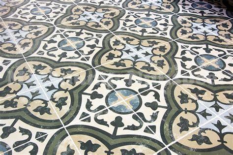 vintage tegels badkamer keramische portugese vintage vloertegels 25x25 met motief