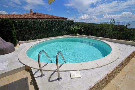 Haus Kaufen Mit Pool Schweiz by Region Rijeka Kvarner Bucht Haus In Meerblick Lage