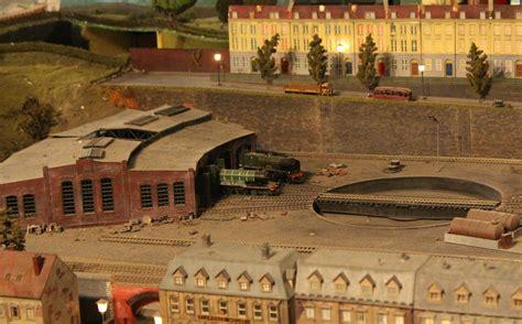 The Engine Shed Model Railway Shop by Trago Mills 00 Scale Model Railway Loco Yard