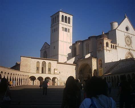 turisti per caso umbria chiese assisi umbria italia viaggi vacanze e