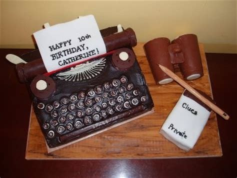 theme junkie mystery so i thinking of making a typewriter cake for my daughter