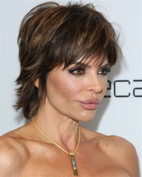 lisa rinna weight off middle section hair the 31 cutest short hairstyles and how to pull them off