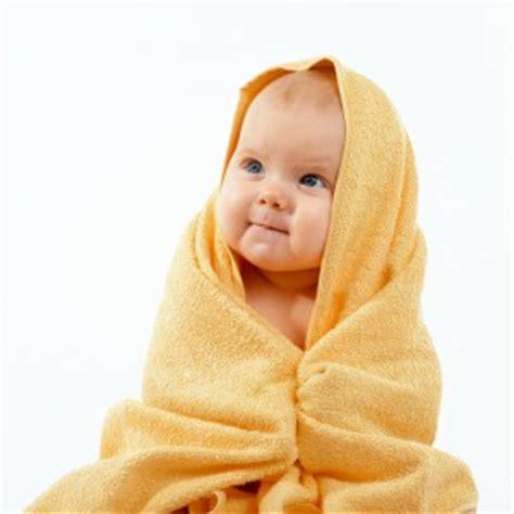 wann kommen welche zähne baby baby 6 monate was ist wichtig worauf muss achten