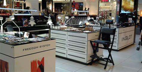 Make Up Di Salon mobilier salon coiffure et maquillage