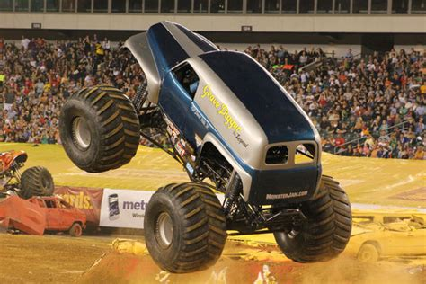 monster truck show philadelphia philadelphia pennsylvania monster jam june 4 2011