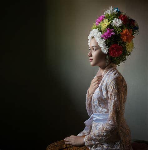 Kebaya Flowrose indramayu by arif kaser arts