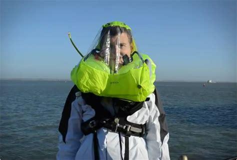 spinlock auto inflating life jacket